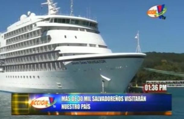 Salvadoreños aprovechan destinos turísticos de Honduras para vacacionar