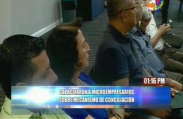 Microempresarios reciben capacitaciones sobre mecanismos de conciliación