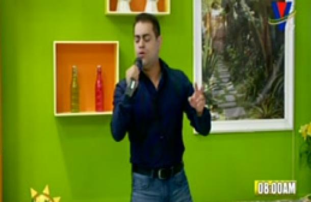 Contamos con la visita del cantante nacional Carlos Salazar