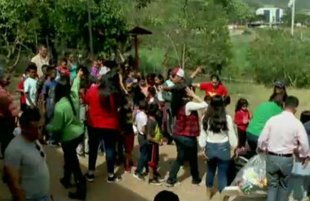 Mano Amiga festeja la Navidad con más de 700 niños en Valle de Los Ángeles