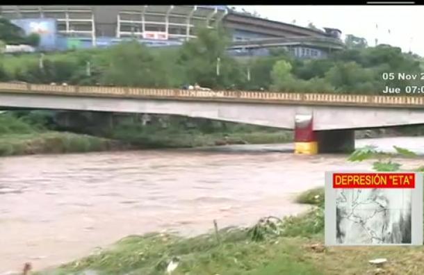 Baja nivel del río Choluteca en Comayagüela