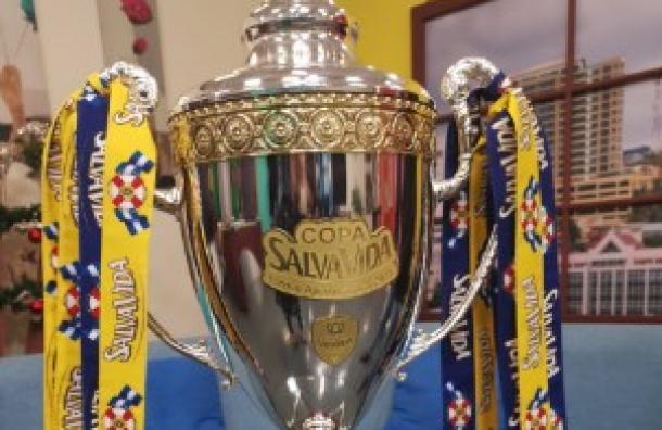 Presentamos la Copa de Campeón de la Liga Nacional