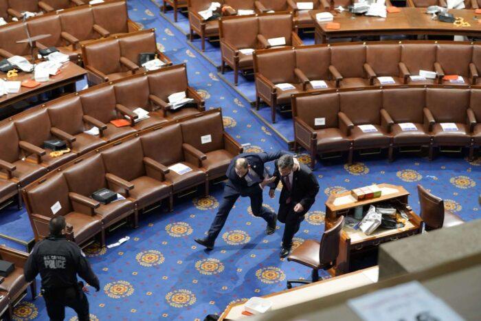 Simpatizantes de Trump irrumpen en el Capitolio de Washington