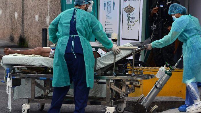 Médicos hondureños recibirán vacuna primero