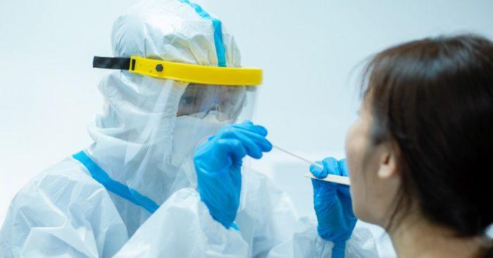 """Descubren una """"variante doble mutante"""" del coronavirus en India"""