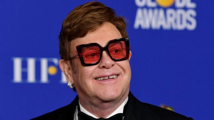Elton John llama hipócrita al Vaticano por no aprobar el matrimonio gay a pesar de haber financiado Rocketman