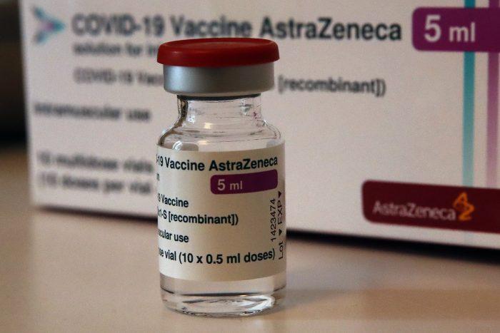 Por el atraso de las vacunas la UE presenta acción legal contra AstraZeneca