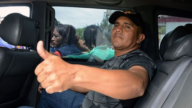 Santos Orellana huye de Honduras