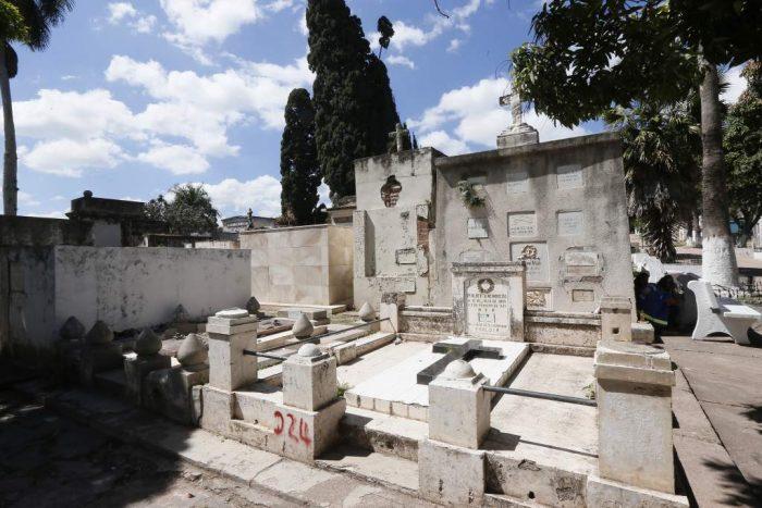 Muertes por Covid-19 tienen lleno cementerio de La Paz