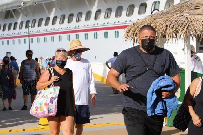 Regresó la línea cruceros Carnival Cruises a Roatán