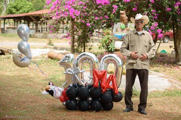 Abuelo Hondureño cumple 100 años