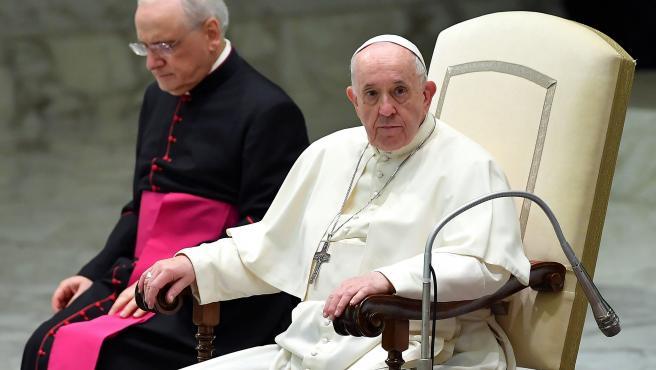 El Papa aboga por un salario universal y por la reducción de la jornada laboral para repartir el trabajo