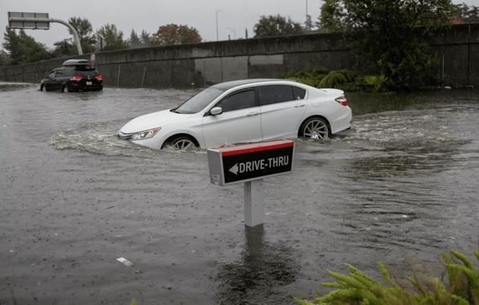 Graves inundaciones en California dejan sin electricidad a 380,000 hogares