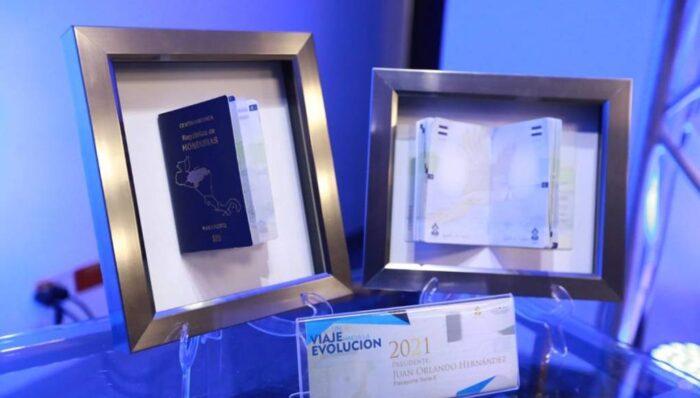 Honduras lanza nuevo y moderno pasaporte electrónico 2