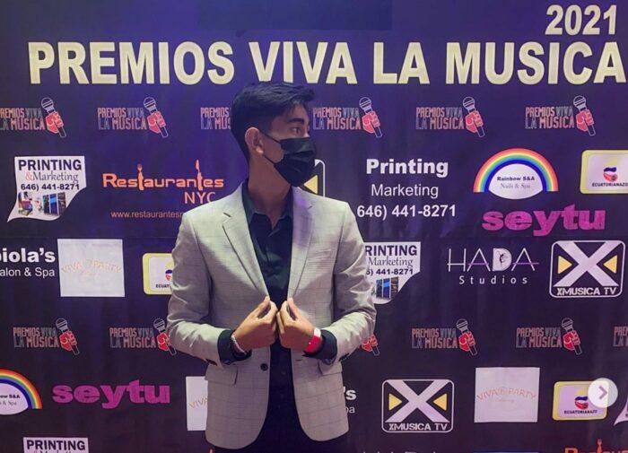 Hondureño gana tres premios al más influyente en las redes sociales