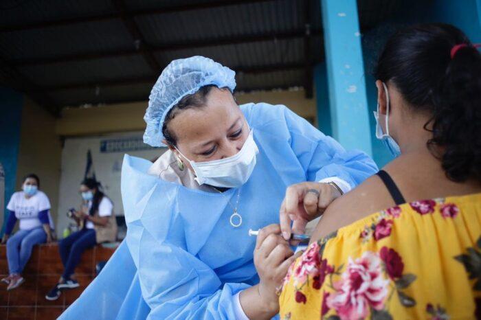 La vacunación contra la Covid-19 no se detuvo durante el Feriado Morazánico