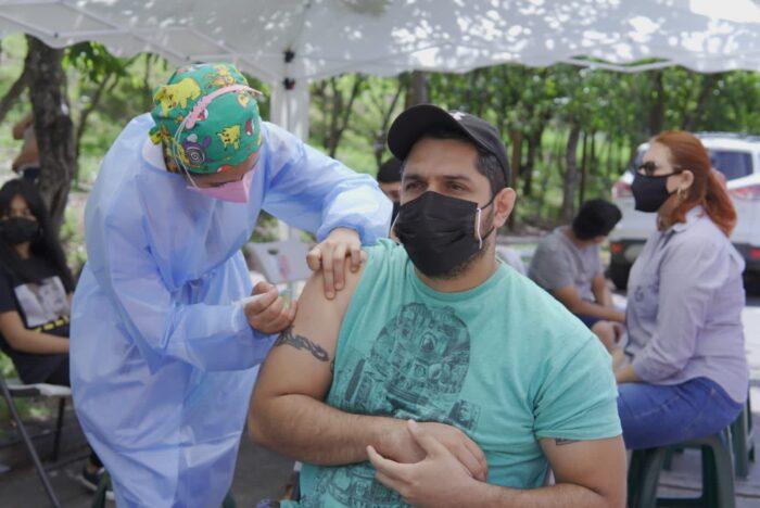 Salud comenzó el lunes la aplicación del tercer refuerzo de vacuna