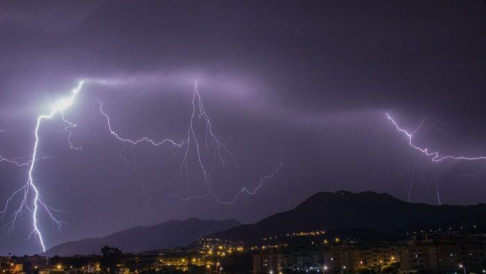 Lluvias y actividad eléctrica en Honduras para este jueves