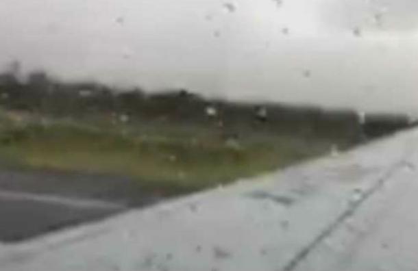 'Es un milagro que estemos vivos': pasajero filmó el momentoexacto en que se estrella el avión deAeroméxico