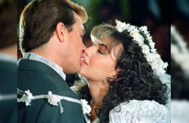 Actor mexicano reveló la «apestosa» razón por la que no le gustaba besar a Thalía